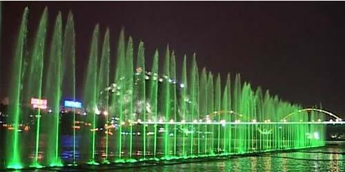 水上喷泉(2)
